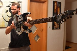 Metallica-Tribute-Band-Deutschland-Kirk-Hammett-White-Zombie-Guitar-ESP-LTD-KH
