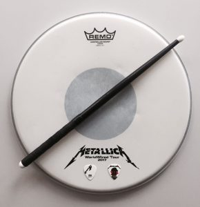 Metallica-Tribute-Band-MYTALLICA-Deutschland-Lanxess-Arena-Ritter-Lars-DrumSkin-Pick-Stephan-Zender