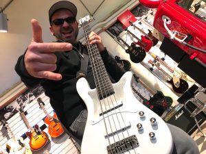Metallica-Tribute-Band-MYTALLICA-Coverband-2018-Robert-Trujillo-Warwick-White-High-Polish-Signature-5-Bass-2018-Finished