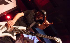 mytallica-wuppertal-live-club-barmen-2018-martin-iordanidis-bass-warwick-white-heavy-metal