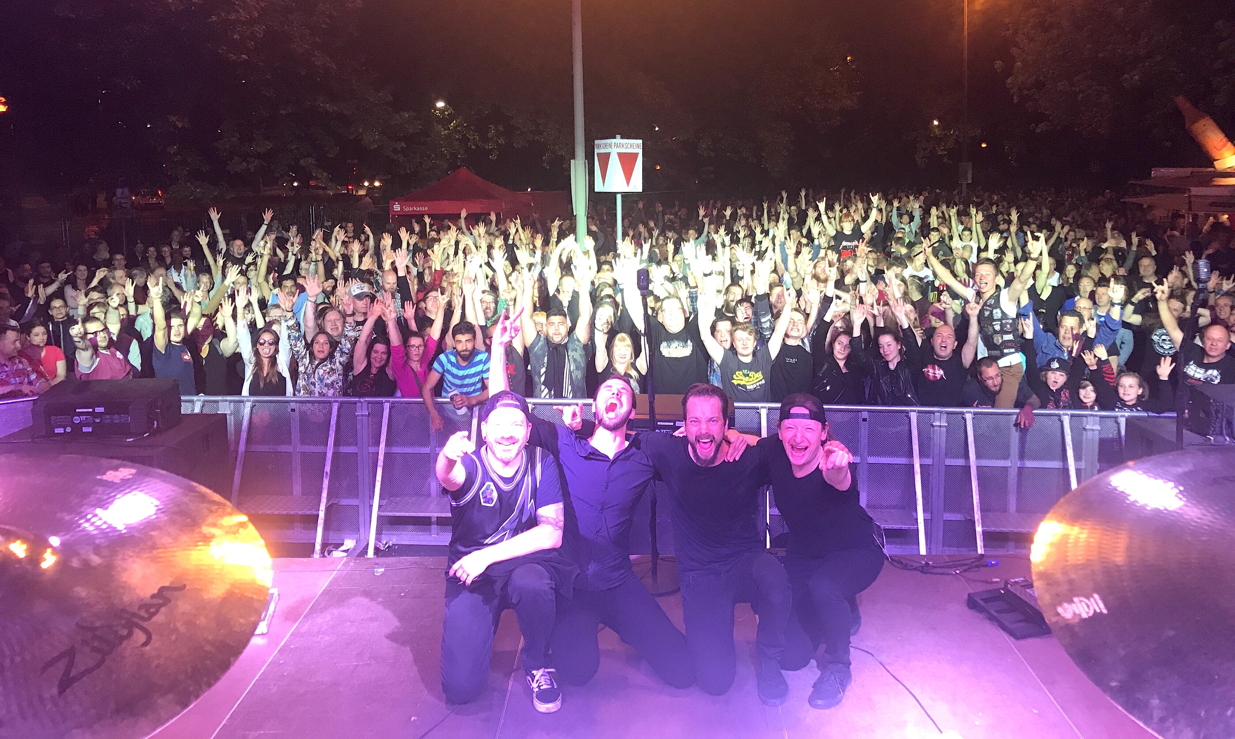 mytallica-hattingen-altstadtfest-2018-buehne-bunker-thank-you-fans