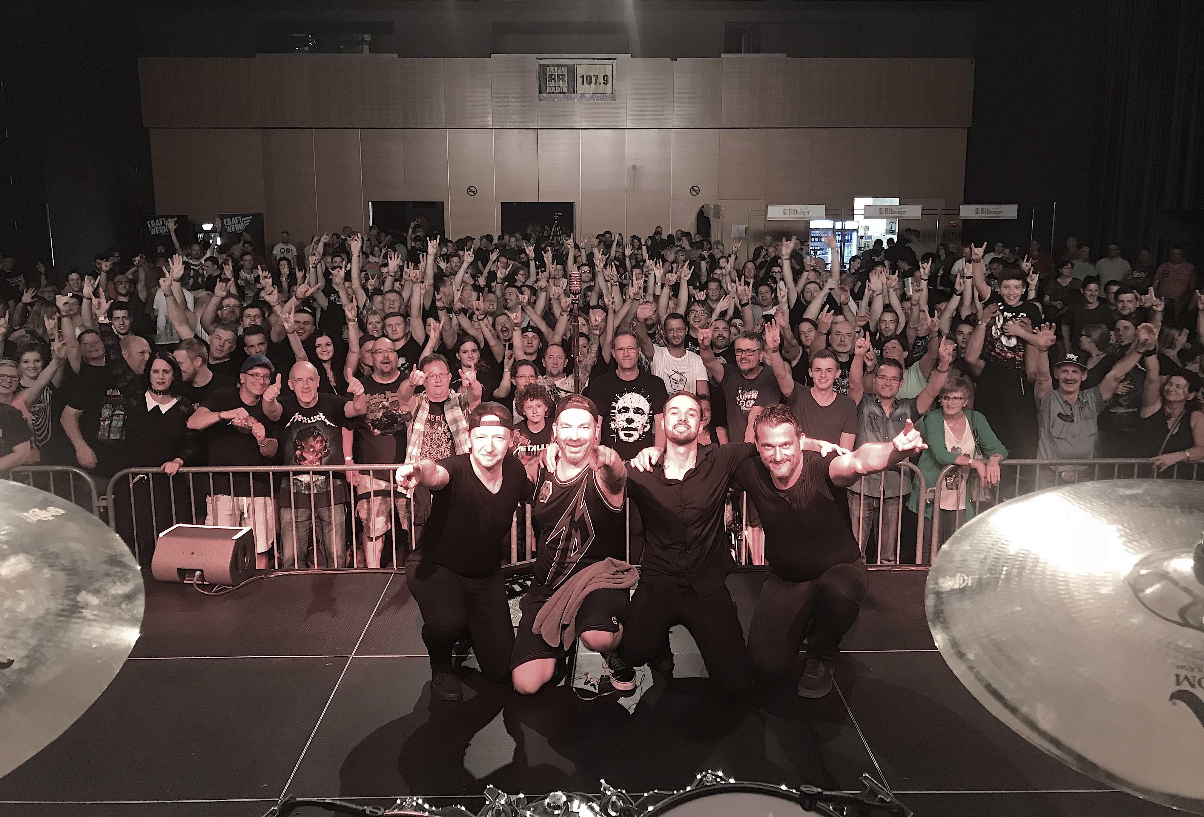 metallica-tribute-band-mytallica-rocknacht-bitburg-stadthalle-2018-publikum-thankyou