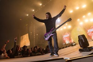 Band-Robert-Trujillo-Warwick-Streamer-Signature-Bass-Purple-Nirvana-Black