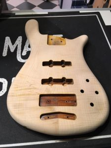 Warwick-Streamer-Signature-Bass-blank-body-front