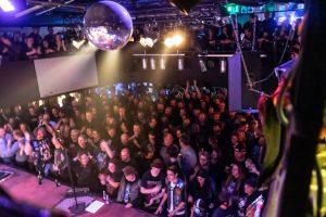MYTALLICA-Live-Luebeck-Riders-Cafe-2019-DSC-01462-Publikum-Totale