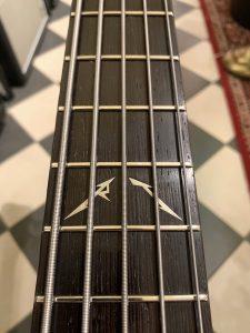 robert-trujillo-warwick-streamer-signature-bass-purple-nirvana-black-hardline-music-wuppertal-inlay