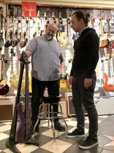 robert-trujillo-warwick-streamer-signature-bass-purple-nirvana-black-hardline-music-wuppertal-zachelmeister-bruno-koerner