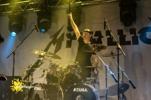 mytallica-papenburg-alter-gueterbahnhof-2019-legenden-des-rock-fehnblogger-stephan-zender-tama-drums-lars-ulrich
