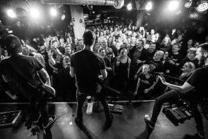 mytallica-bremen-meisenfrei-2019-live-publikum-singing-bw