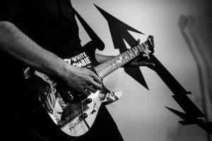 mytallica-bremen-meisenfrei-2019-tom-botschek-guitar-kirk-hammett-white-zombie-esp-ltd
