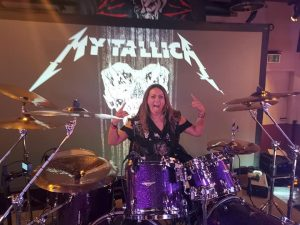 mytallica-2019-hard-rock-cafe-cologne-official-pre-party-fan-chapter-fans-bulgaria-deep-purple-drums