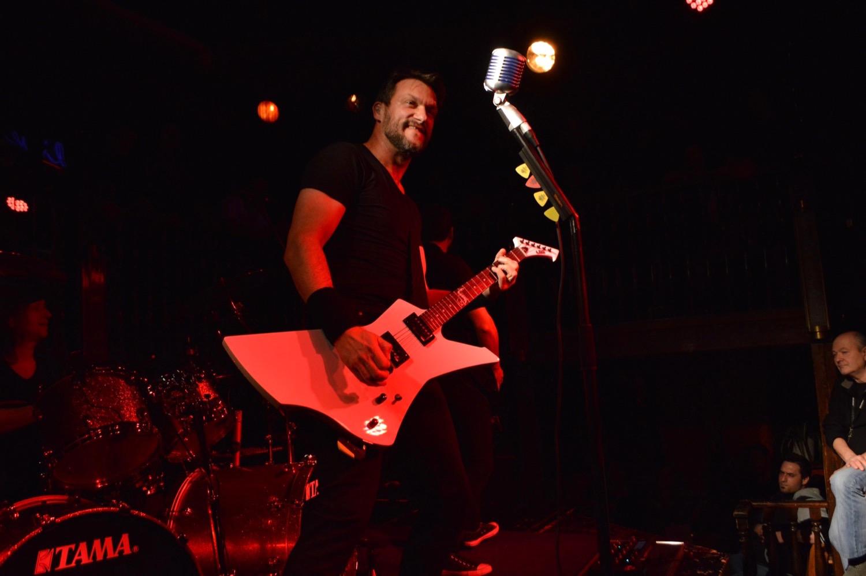 mytallica-freudenburg-ducsaal-2015-andreas-adam-esp-ltd-guitar-snakebyte