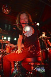 mytallica-freudenburg-ducsaal-2015-stephan-zender-tama-drums