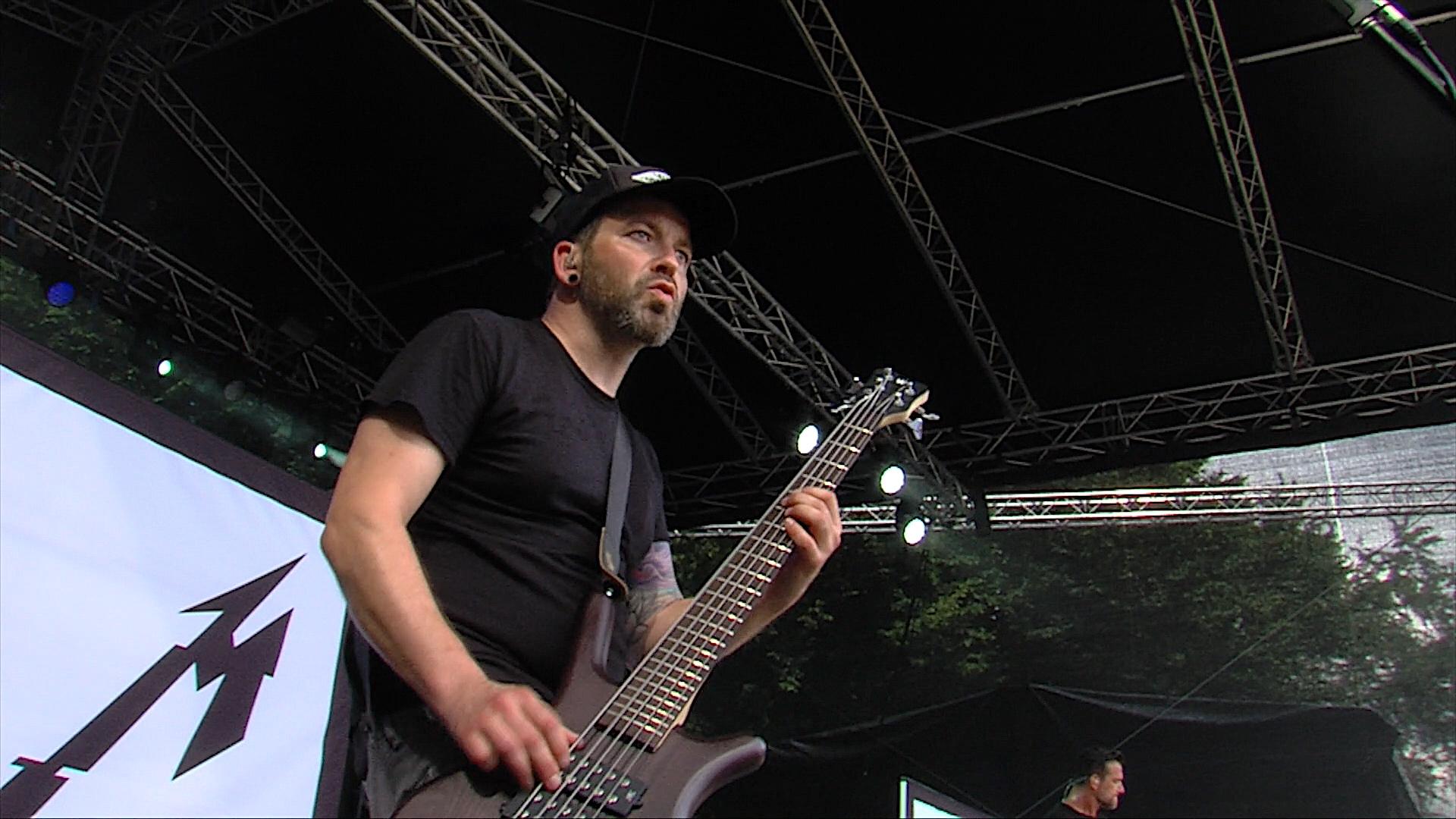mytallica-dortmund-rock-n-tribute-festival-2017-warwick-bass-live