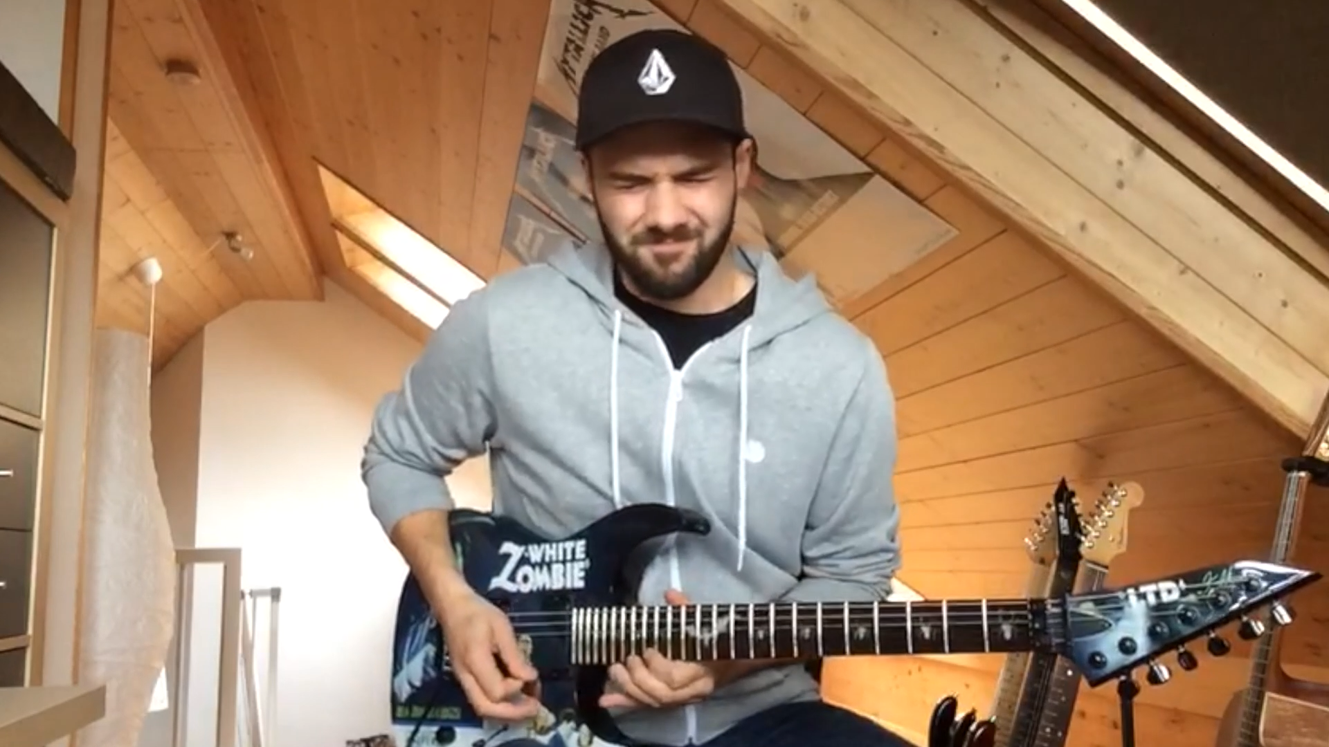 Metallica-Cover-MYTALLICA-Tribute-Band-By-Request-Video-Live-Tuning-Room