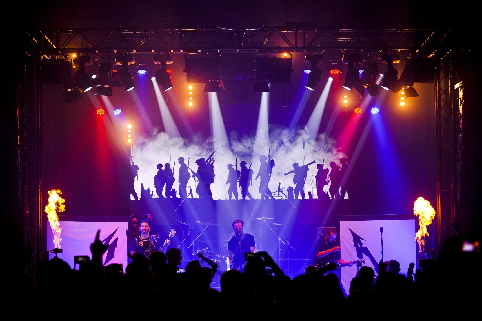 mytallica-mosh-n-may-festival-schapen-deutschland-2019-4759-stage-design-soldiers