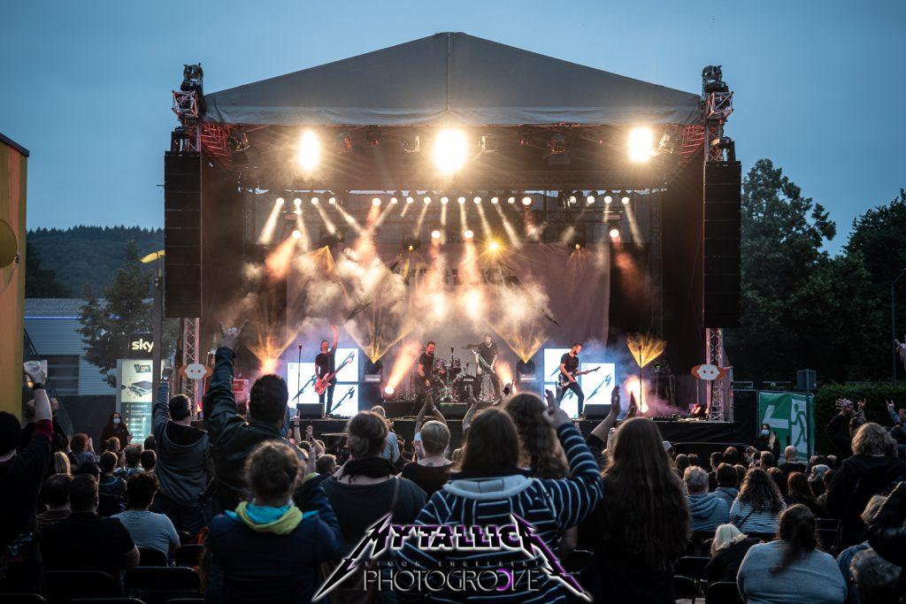 mytallica-arena-trier-2021-hardwired-stage-publikum