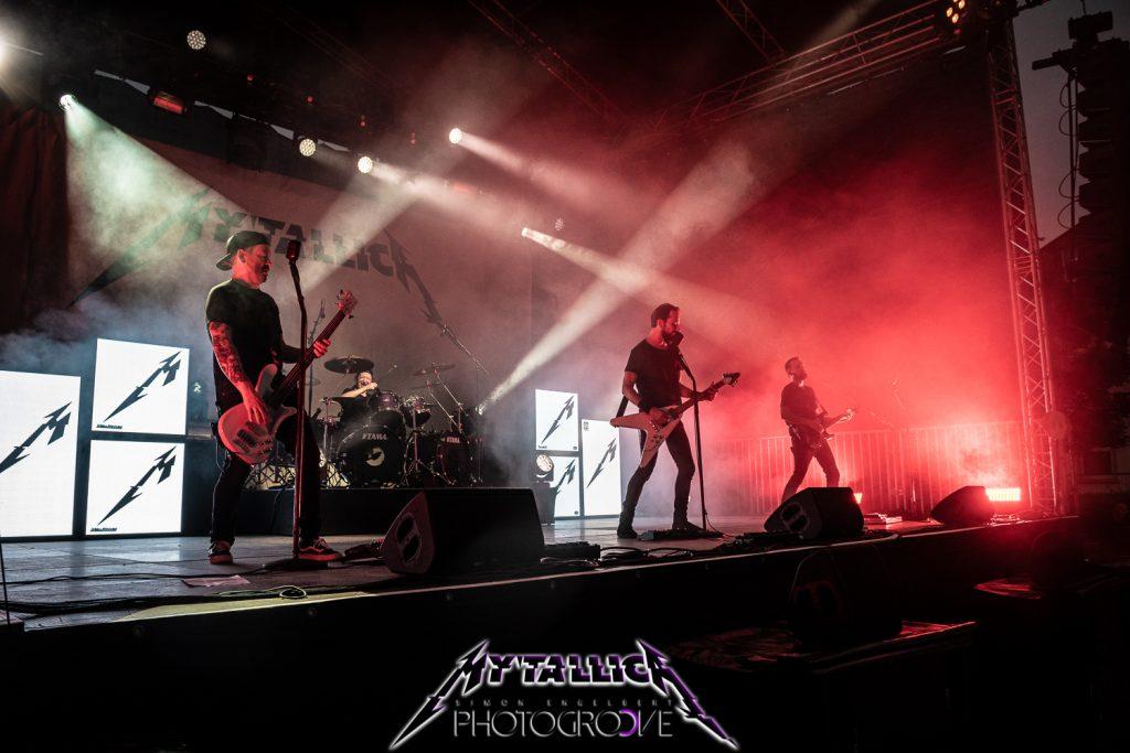 mytallica-arena-trier-2021-hardwired-stage-white