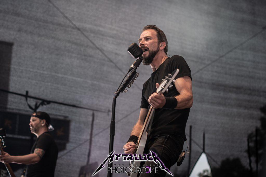 mytallica-arena-trier-2021-metti-zimmer-vocals-flying-v