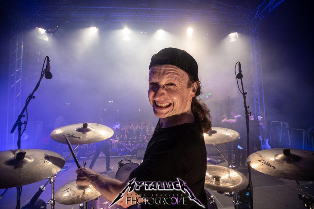 mytallica-arena-trier-2021-stephan-zender-drums-back