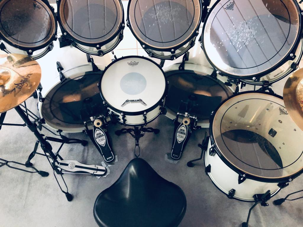 lars-ulrich-tama-artstar-II-white-drumhocker