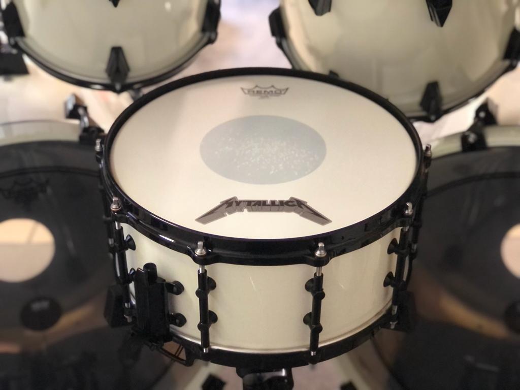 lars-ulrich-tama-artstar-II-white-remo-snare-skin