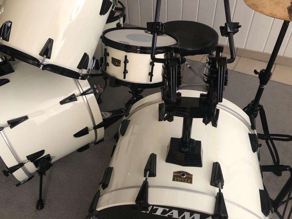tama-artstar-II-white-black-tom-holder