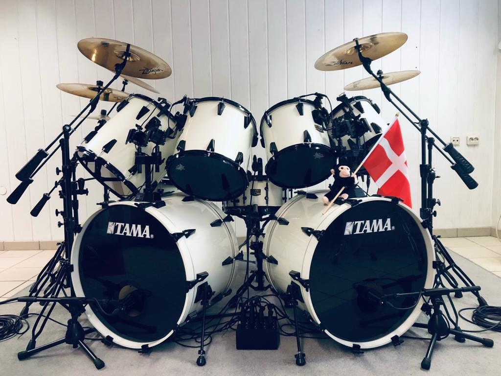tama-artstar-II-white-lars-ulrich-signature-kit-mytallica